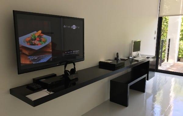 ザ・ライブラリーのスタジオツインのテレビ