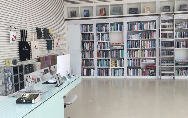 ザ・ライブラリーのライブラリールーム