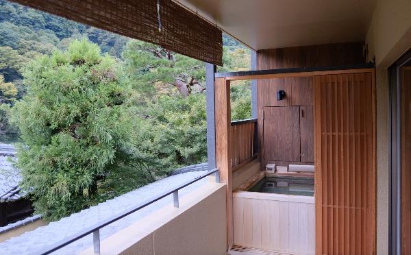 翠嵐「渡月」の温泉露天風呂