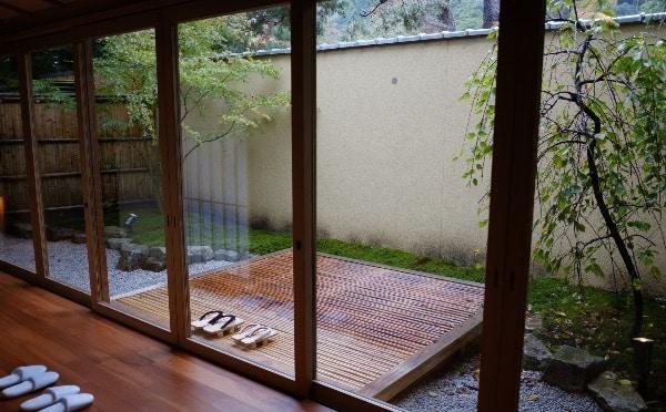 翠嵐の「京月琴」の専用庭