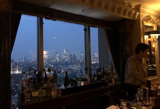 ウェスティンホテル東京のコンパスローズの夜景