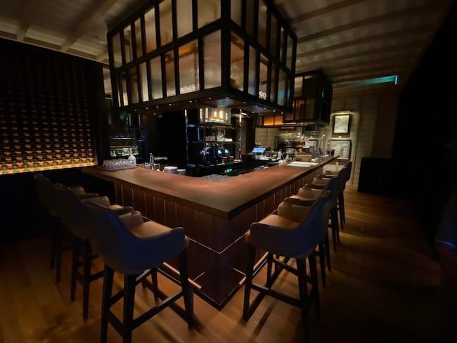 レークハウスの1階のカフェコーナー