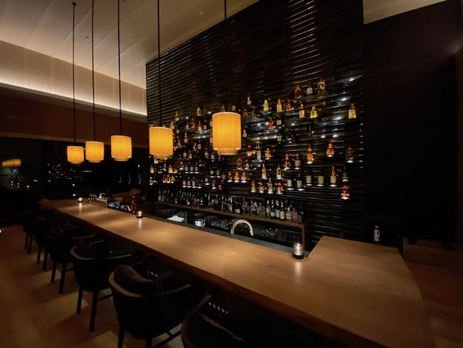 ザ・バー、夜の雰囲気