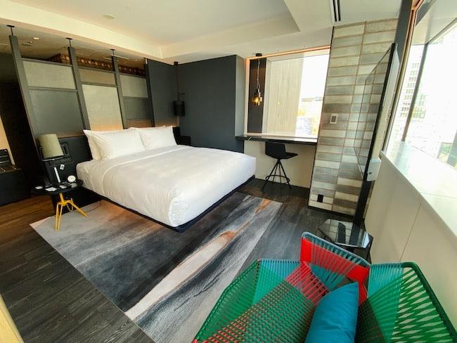 アロフト東京銀座のスイートルーム「アロフトスイート」のベッドルーム