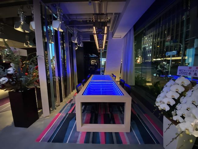 アロフト東京銀座のロビーテーブル