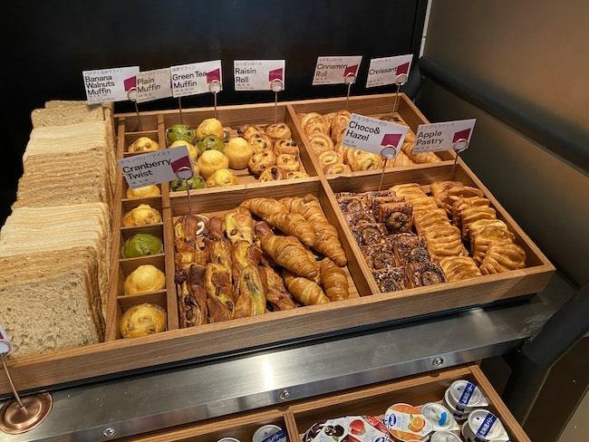 アロフト東京銀座の朝食会場のパン